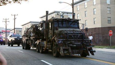 Megatron Armored rusty Mack Titan 10 wheeler fuel tank truck Transformers 3